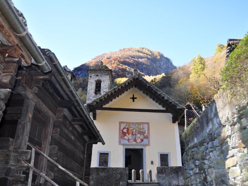 Image 9 - Val Bavona: Sonlerto - Waterfall of Foroglio - Bignasco