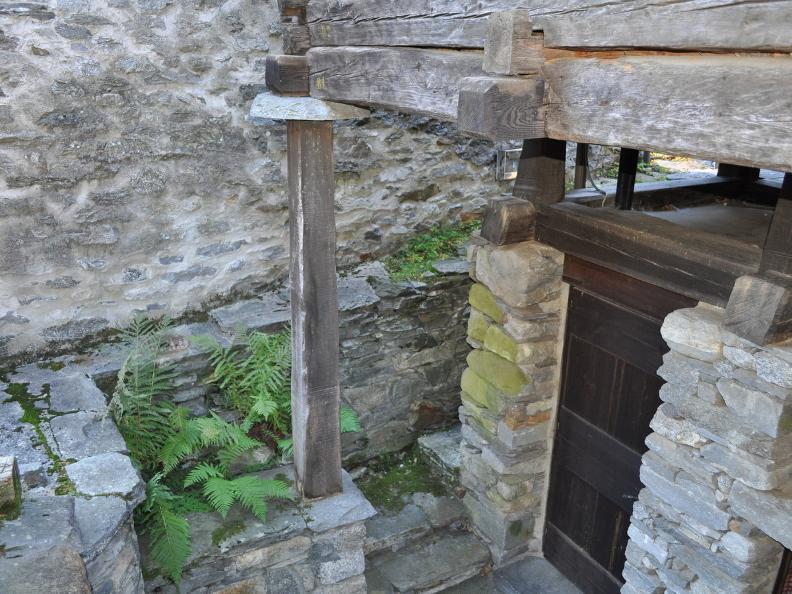 Image 10 - Val Bavona: Sonlerto - Waterfall of Foroglio - Bignasco