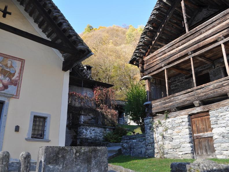 Image 11 - Val Bavona: Sonlerto - Waterfall of Foroglio - Bignasco