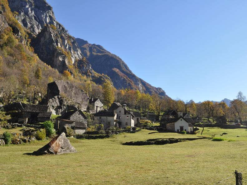 Image 14 - Val Bavona: Sonlerto - Waterfall of Foroglio - Bignasco