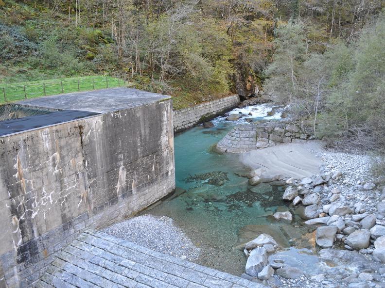 Image 21 - Val Bavona: Sonlerto - Waterfall of Foroglio - Bignasco