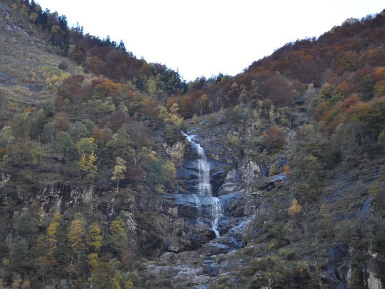 Image 29 - Val Bavona: Sonlerto - Waterfall of Foroglio - Bignasco