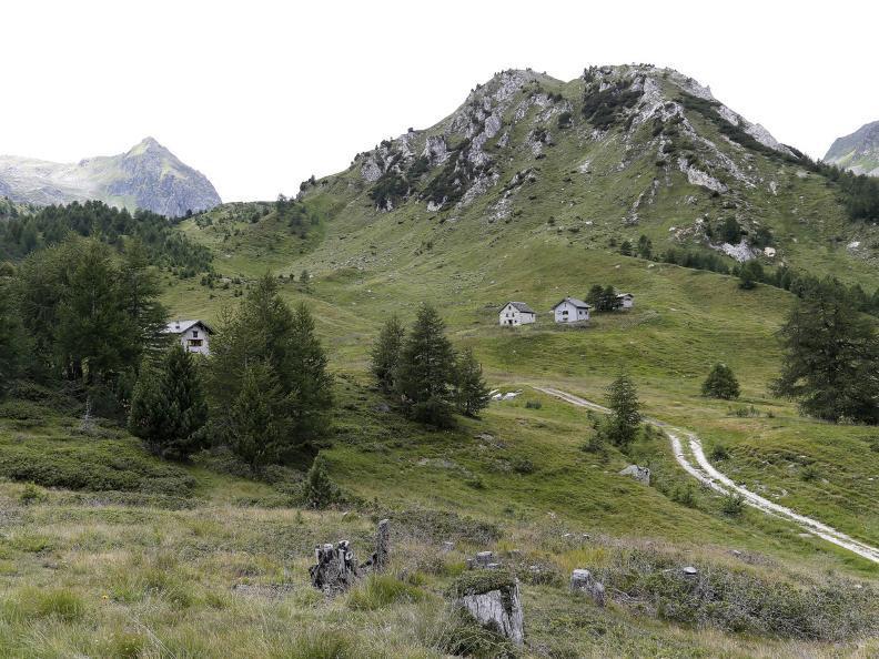 Image 2 - Passo del Sole: From Acquacalda to Lake Ritom
