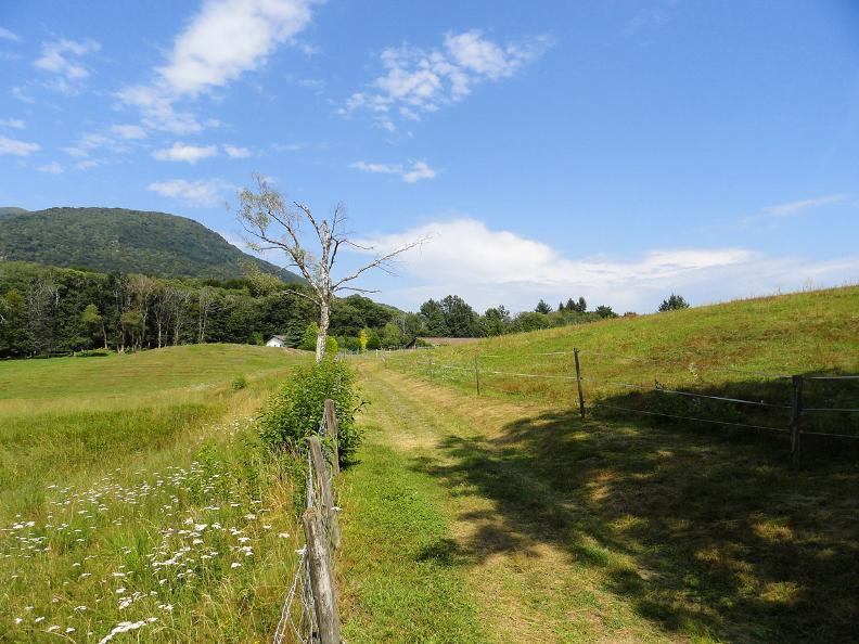 Image 3 - Emerald Trail Ticino-Varese Province: Stage 11