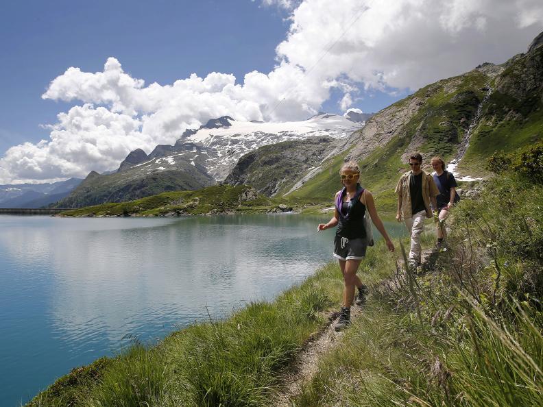 Image 8 - Lac Sfundau
