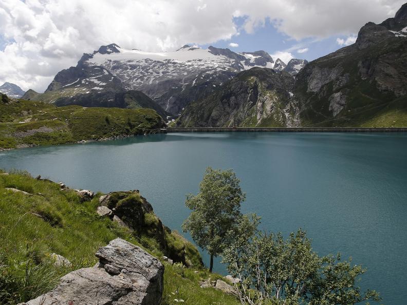 Image 11 - Robièi and the Cavagnöö's Lake