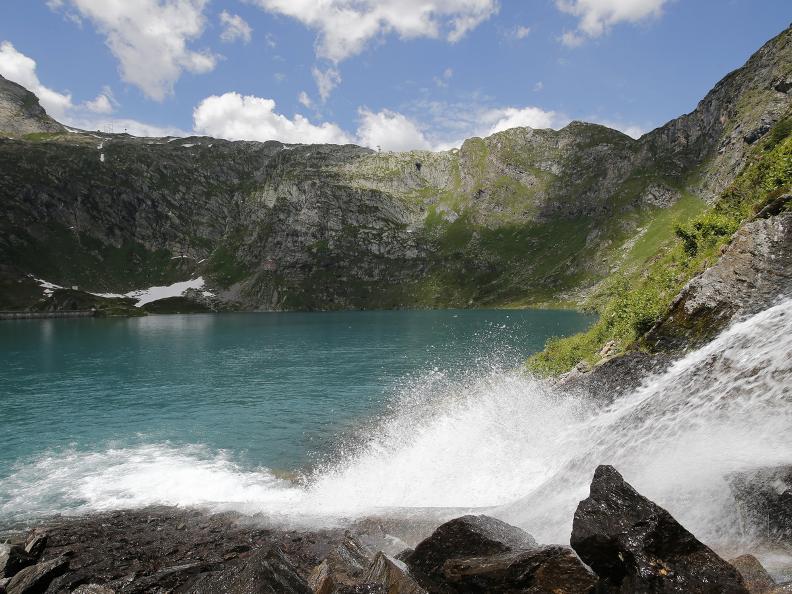 Image 12 - Robièi and the Cavagnöö's Lake