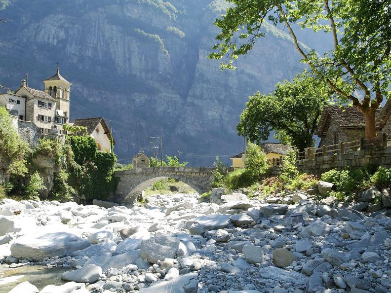 Image 1 - Ponte Brolla - Cevio