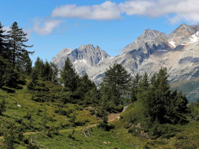 Image 9 - Sentiero Cristallina Tappa 3: Cap. Cristallina - Airolo