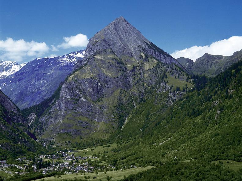 Image 2 - In alto sopra la Val Blenio