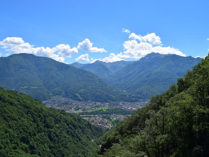 Image 7 - Curzùtt et le pont tibétain Carasc