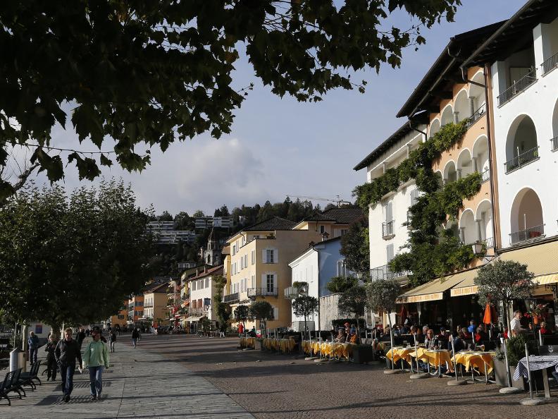 Image 0 - The tour Lungolago Ascona
