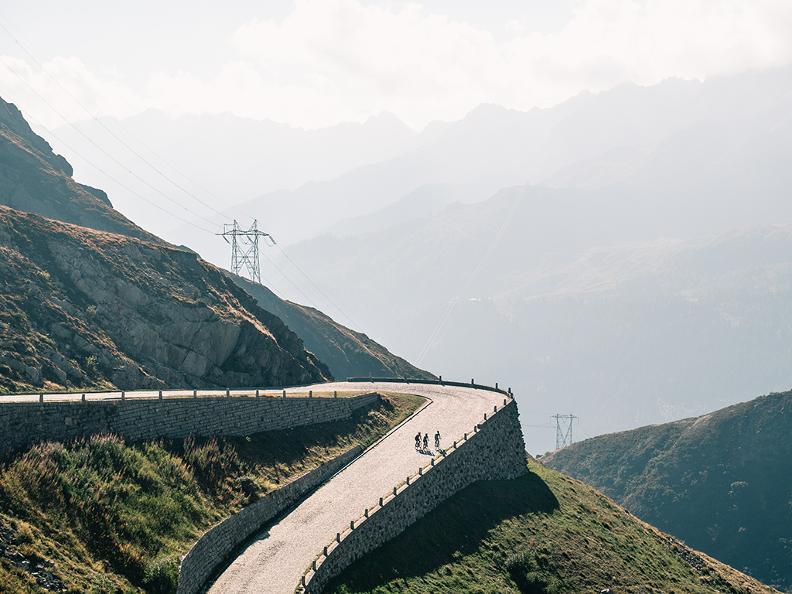 Image 3 - San Gottardo Tour