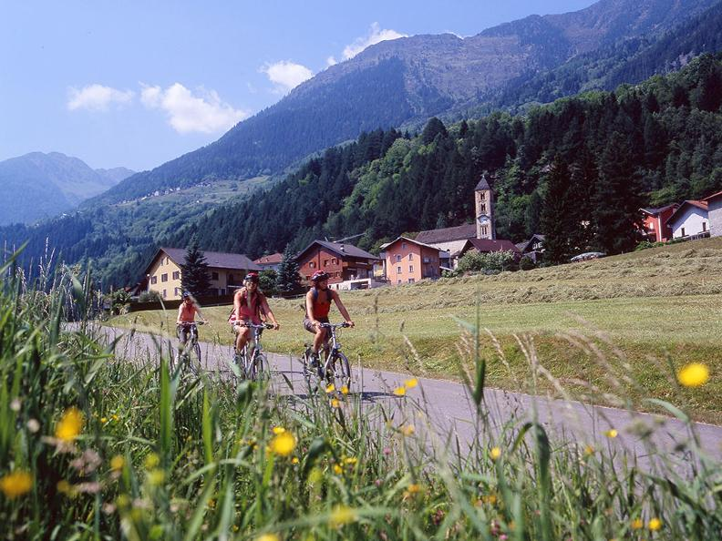 Image 0 - Nord-Süd-Route: Airolo-Bellinzona