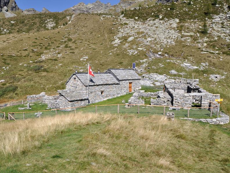 Image 1 - Tag 2: Alp da Canaa - Alp di Pii - Lodano