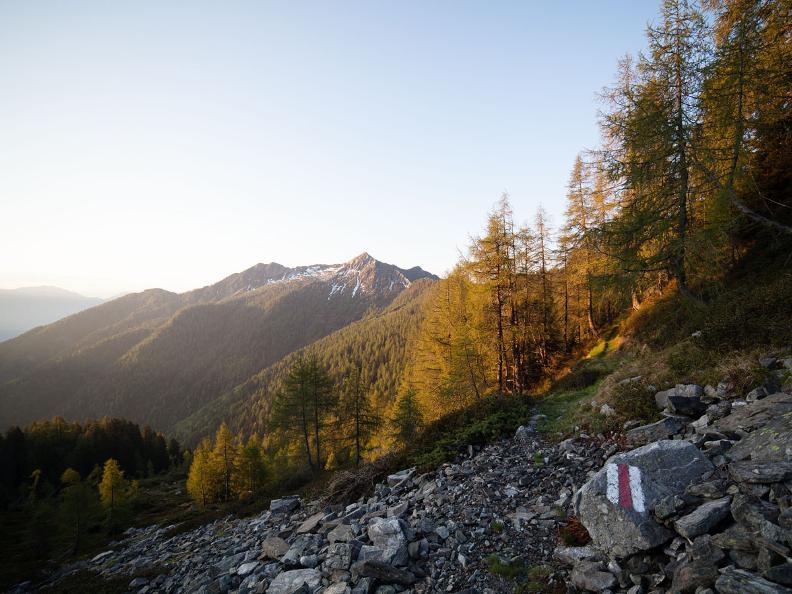 Image 0 - Giorno 1: Lodano - Soláda d Zóra - Alp di Pii - Alp da Canaa