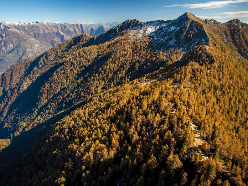 Image 3 - Giorno 1: Lodano - Soláda d Zóra - Alp di Pii - Alp da Canaa