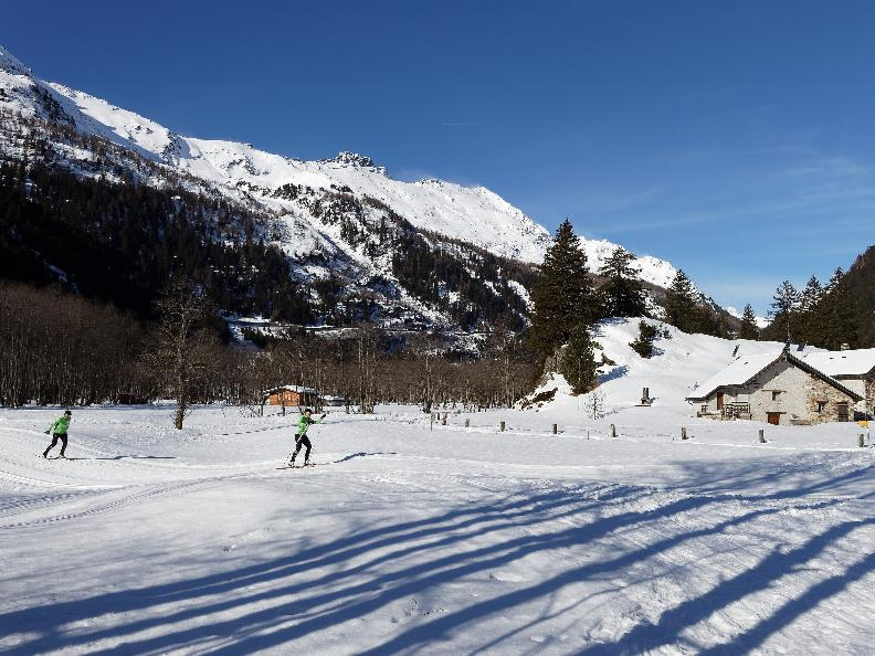 Image 2 - Cross-country skiing Campra - Red trail