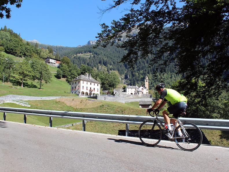 Image 1 - Vallée Rovana : Linescio – Cerentino – Bosco Gurin