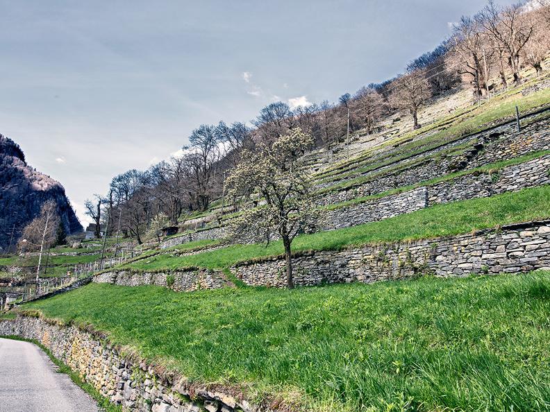 Image 1 - Rovana Valley: Linescio – Cerentino – Bosco Gurin