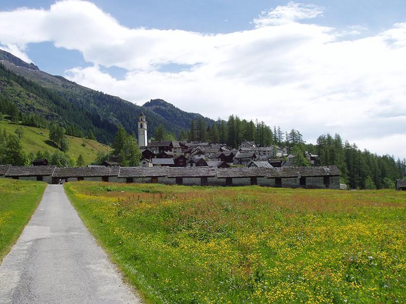 Image 3 - Rovana Valley: Linescio – Cerentino – Bosco Gurin