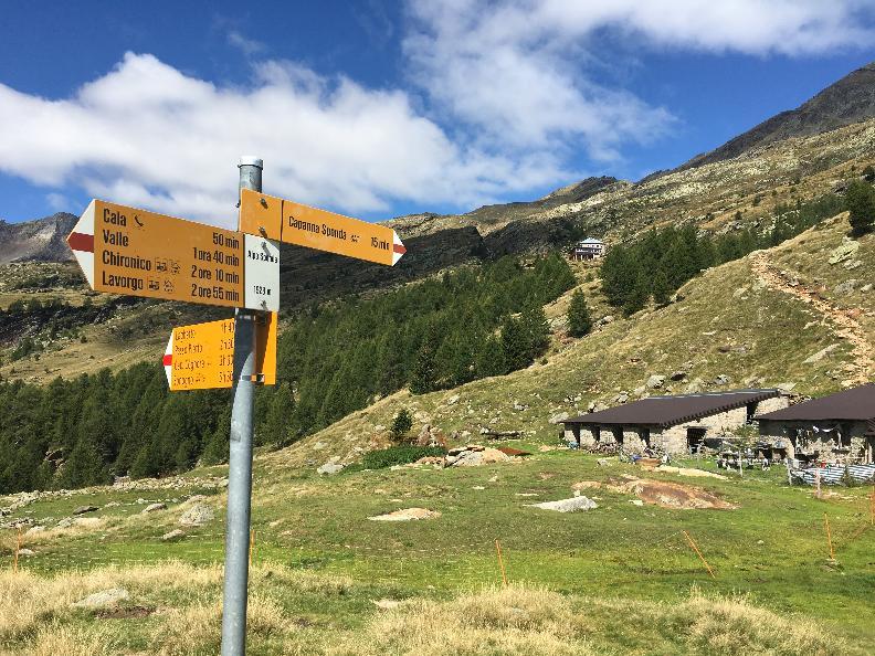 Image 2 - Sponda Hut – Campo Tencia Hut Crossing