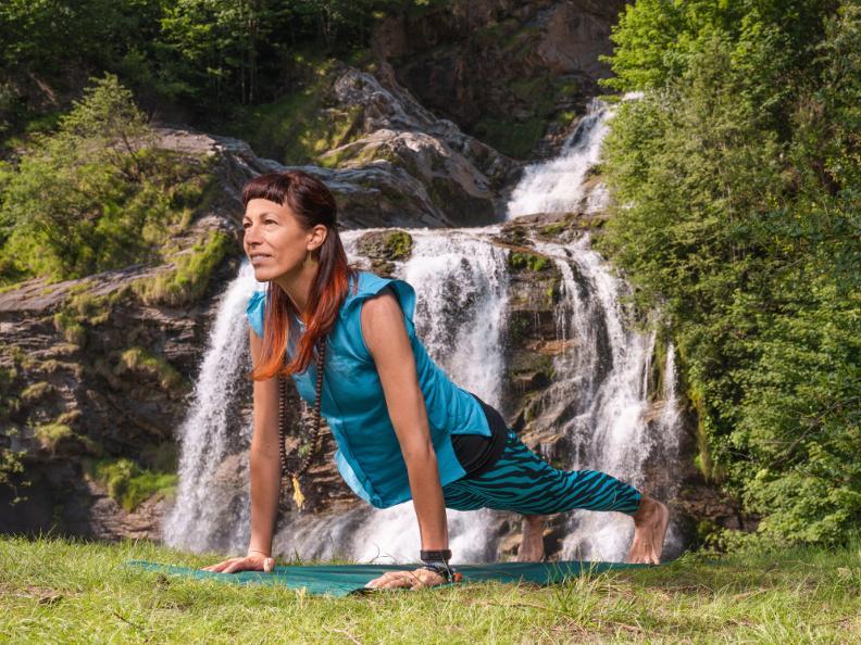 Image 2 - Yoga-Pfad - Waserfall-Piumogna