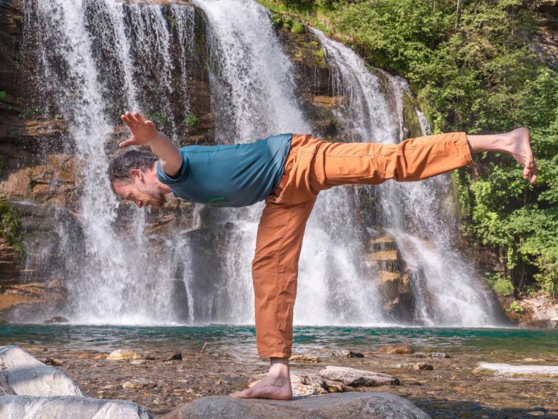 Image 1 - Yoga-Pfad - Waserfall-Piumogna