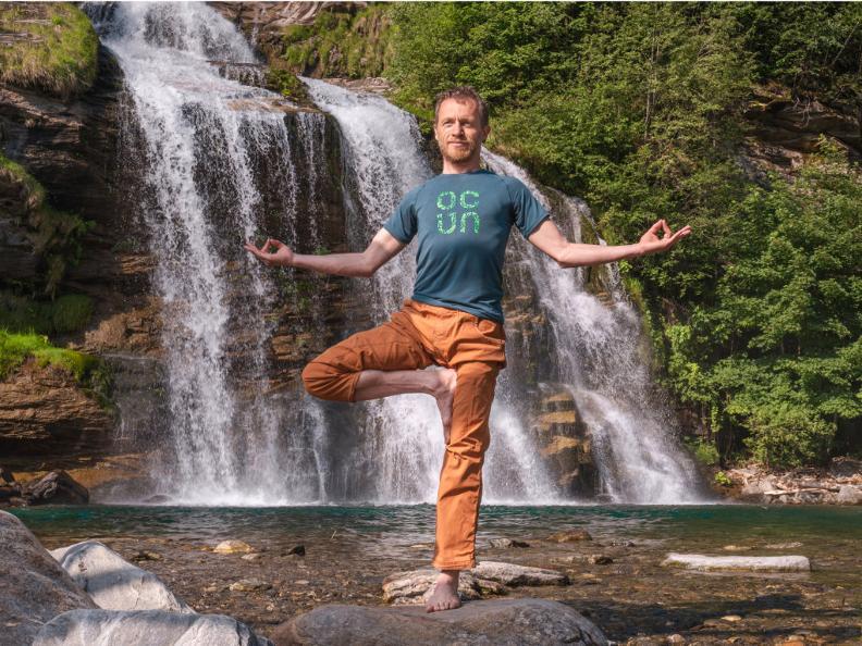 Image 4 - Yoga-Pfad - Waserfall-Piumogna
