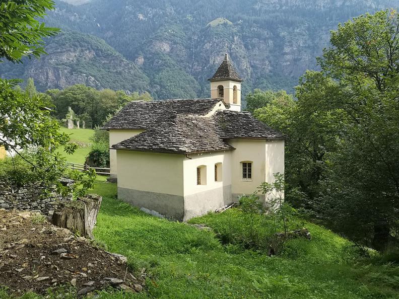 Image 5 - Giro del Castello di Serravalle