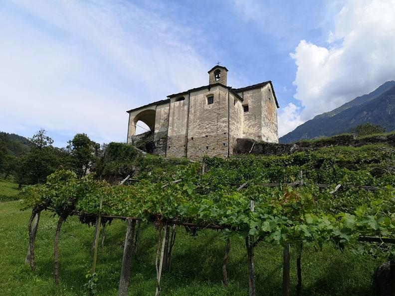 Image 7 - Giro del Castello di Serravalle