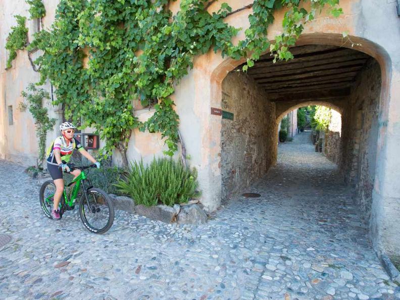 Image 4 - Lugano e-mtb tour: stage 1 Ponte Tresa - Miglieglia