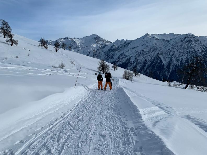 Image 3 - Snowshoe trail Nara-Cancorì