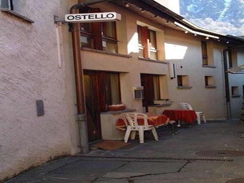 Image 0 -  La Curva Hostel