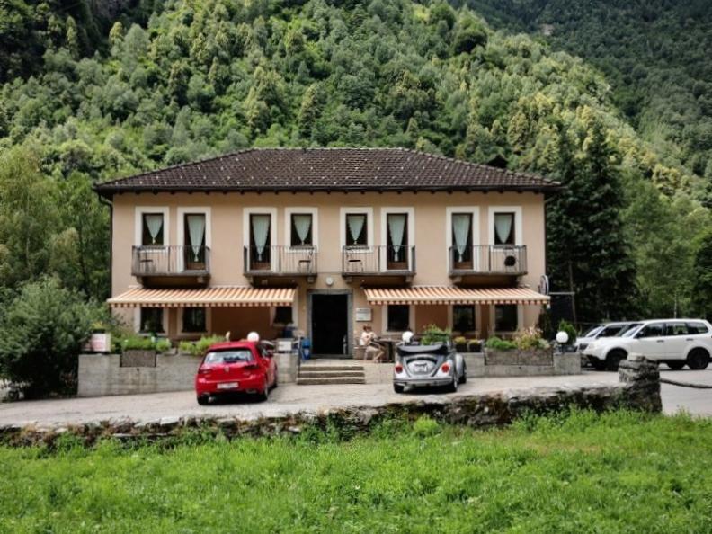 Image 0 - Lavizzara Garni Ristorante Hostel