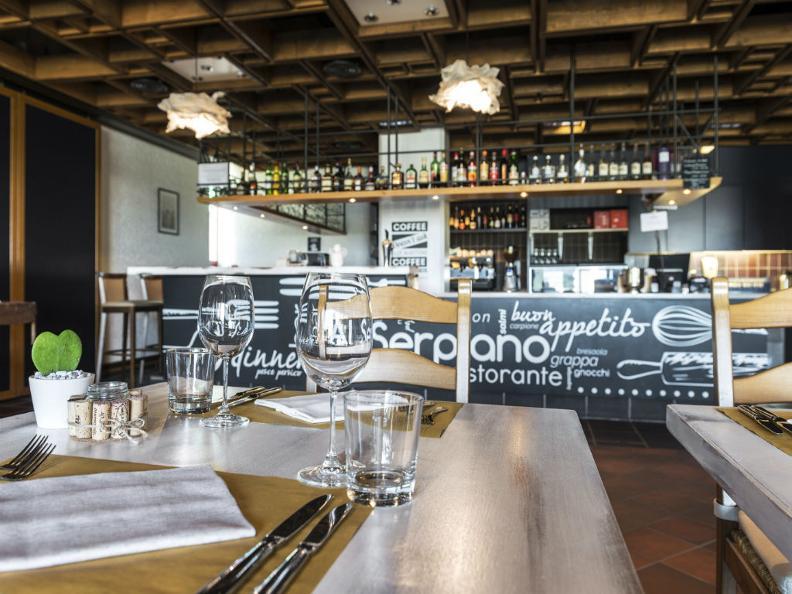 Image 1 - Restaurant Hotel Serpiano