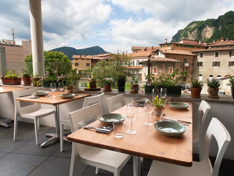 Image 0 - Restaurant Melamangio