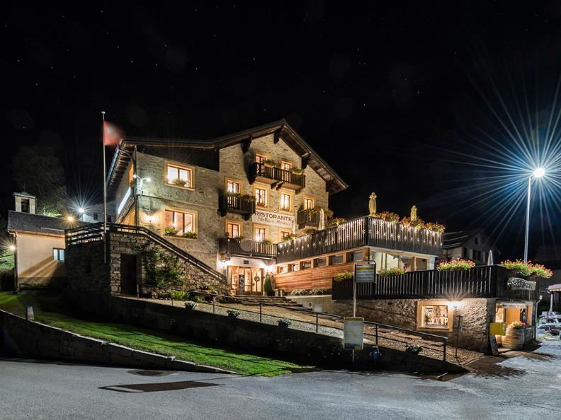Image 0 - Restaurant Châlet Stella Alpina