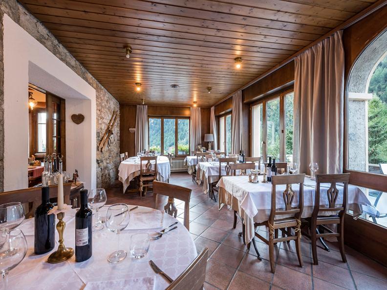 Image 11 - Restaurant Châlet Stella Alpina