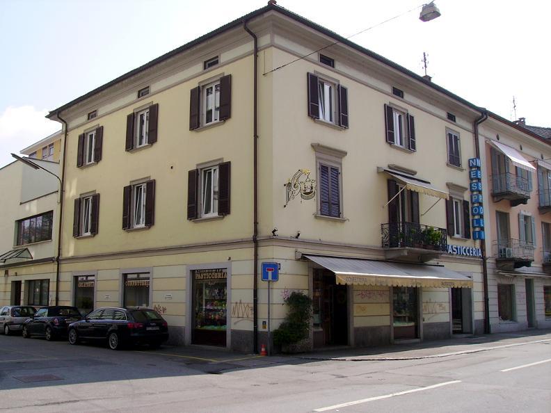Image 0 - Nespoli