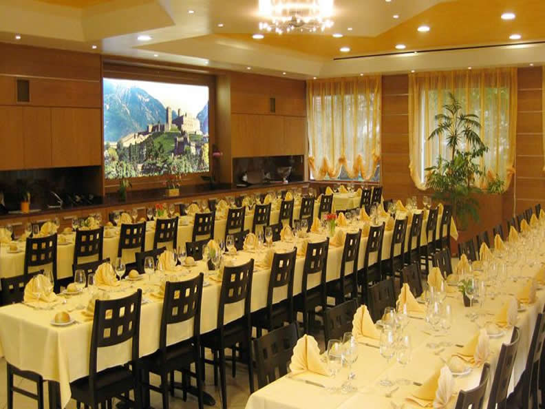 Image 2 - Restaurant Hôtel La Perla