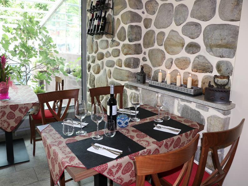 Image 1 - Ristorante Pizzeria Bar Piazza