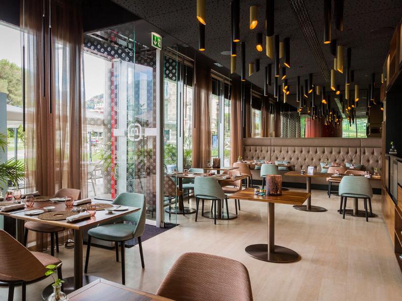Image 0 - Restaurant Meta