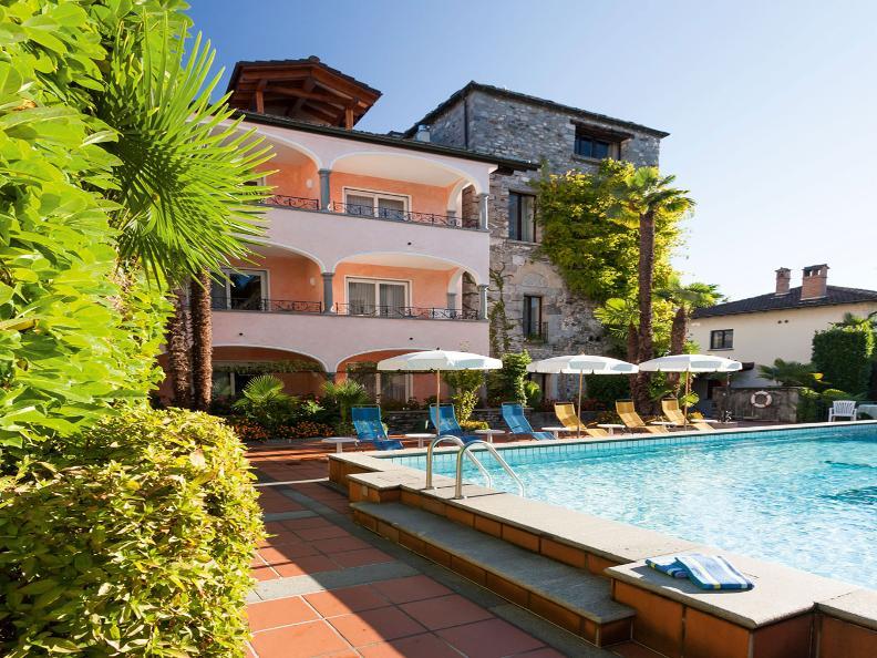 Image 5 - Ristorante Al Lago - Romantik Hotel Castello Seeschloss