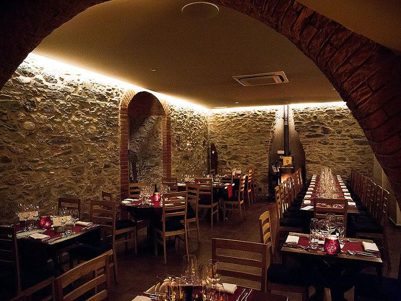 Image 1 - Tabla - Indisches Restaurant & Lounge
